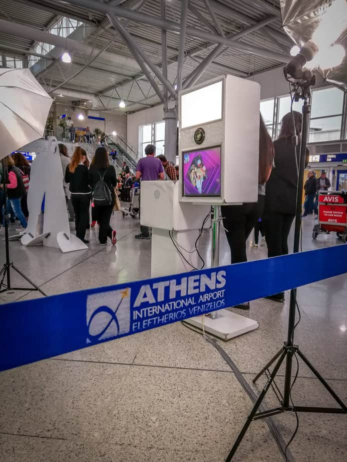 athens airport photobooth