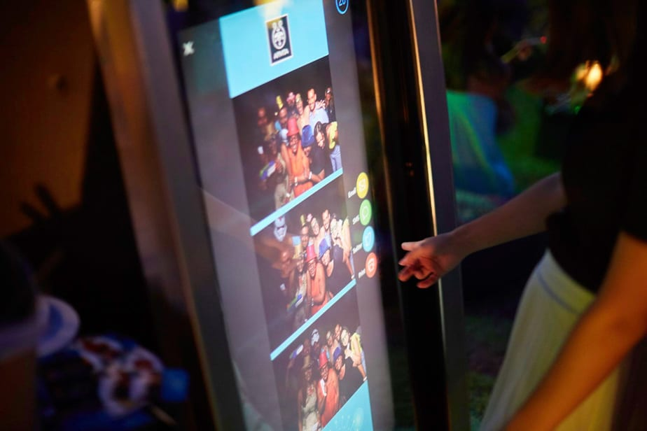 Mirror booth touch screen photo κορνιζα